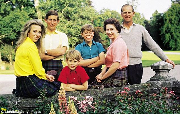 Королевская семья в Балморал в 1972 году