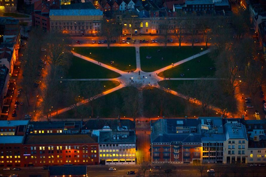 Королевская площадь в центре Бристоля
