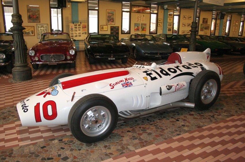 Stirling Moss (1958 г) - первый гоночный автомобиль с рекламой на корпусе