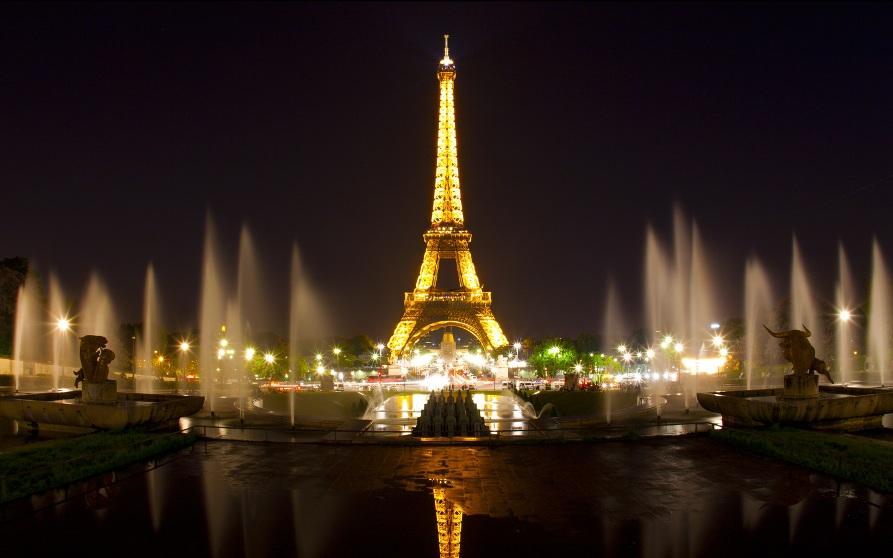 Ночной Париж, Эйфелева башня