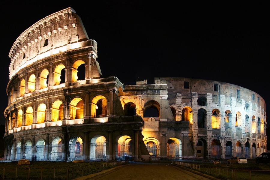Ночной Рим, Колизей