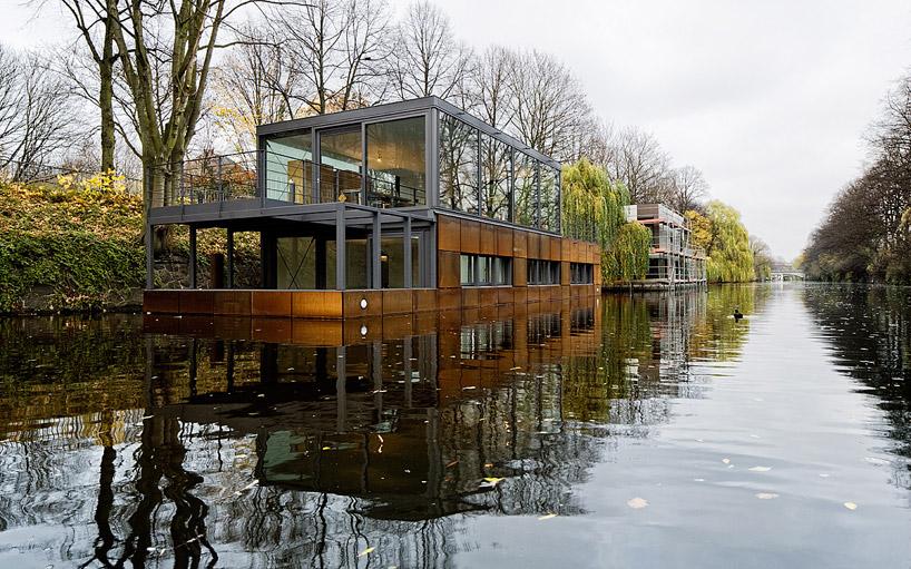 Плавучие дома на канале в Гамбурге