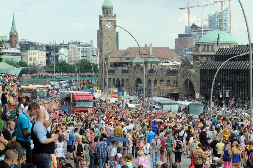"""Фестиваль """"Schlagermove"""" в Гамбурге"""