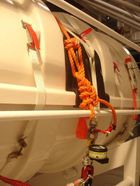 На корабле Costa Fascinosa не хватало спасательных жилетов и плотов