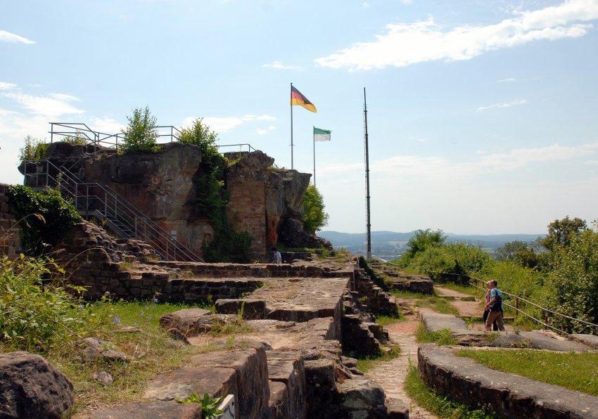 Руины замка Хоенбург