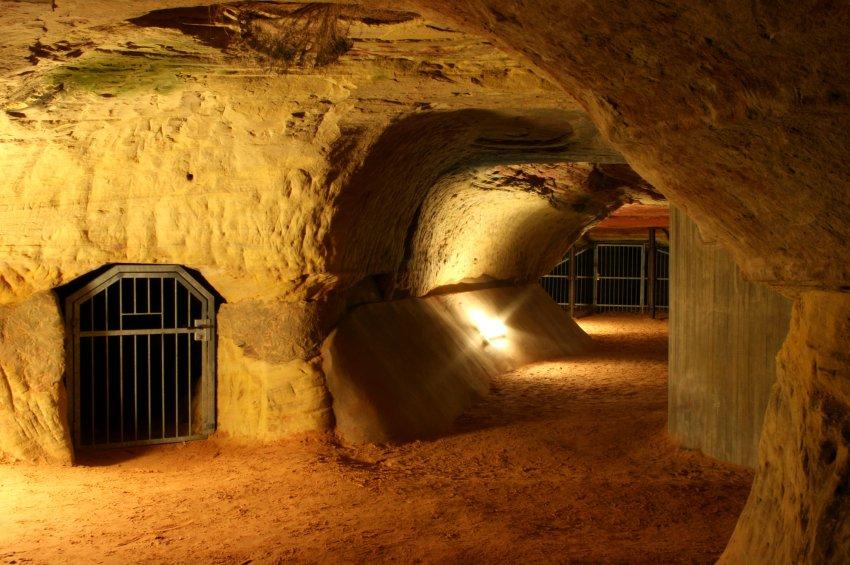 Пещера под замком Хоенбург в Саарланде