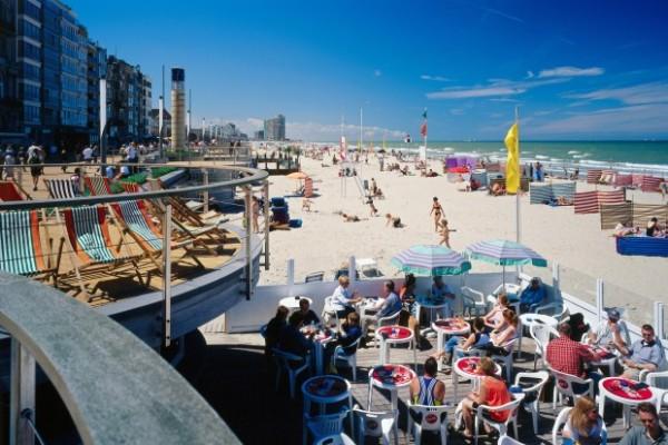 В Остенде будут бороться с обнаженными туристами