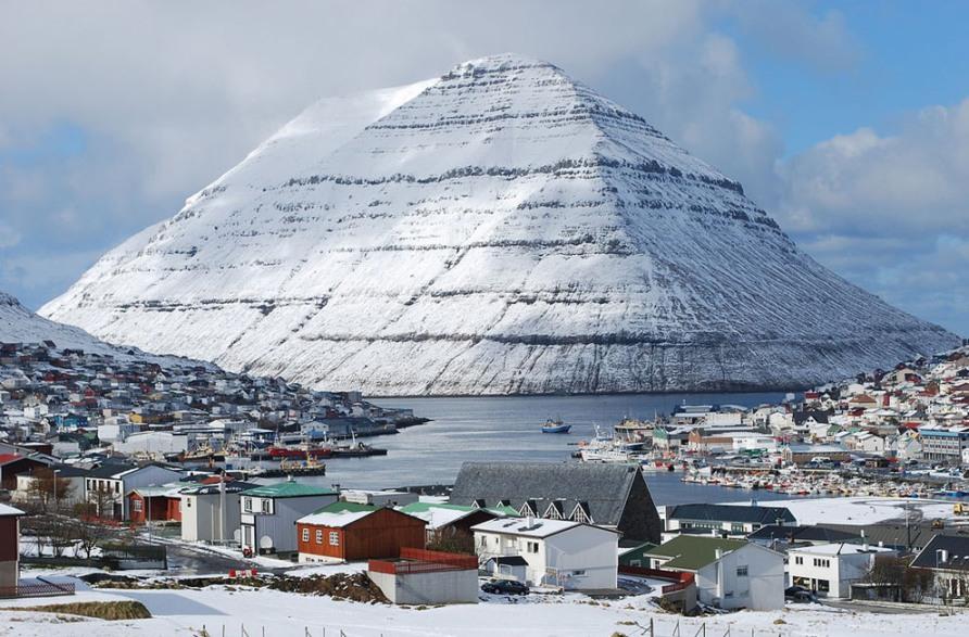 Klaksvik, второй по величине город на Фарерских островах, фото CC BY SA  Erik Christensen