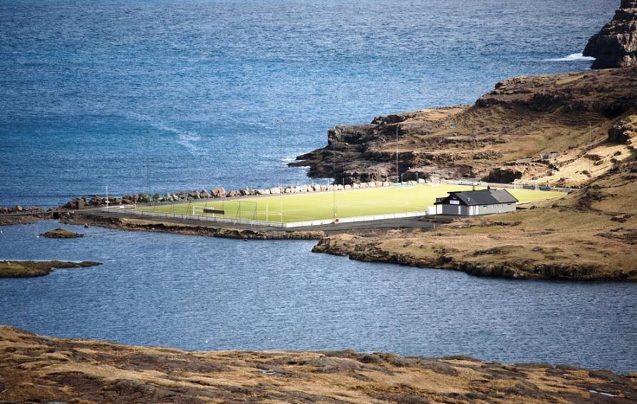 Футбол является самым популярным видом спорта в Фарерских островах, фото CC BY Tobias Akerboom