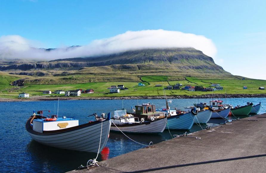Лодки в Famjin на Suduroy, самый южный остров Фарерских островов, фото CC BY SA Arne List