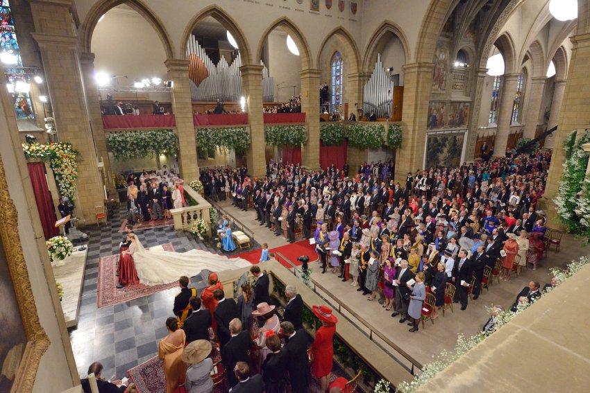 Церемония бракосочетания в соборе Нотр Дам