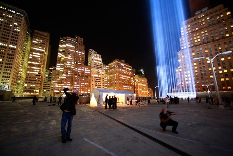 В память о трагедии 11 сентября в Нью-Йорке, 11 сентября 2012, фото Reuters/Eric Thayer