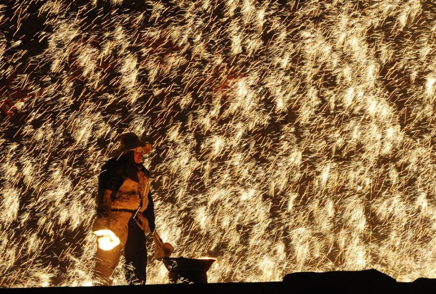 Праздник фонарей в Nuanquan, провинция Хэбэй, Китай, 6 февраля 2012, фото Mark Ralston/AFP/Getty Images