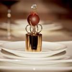 Необычный подарок - конфета с бриллиантом