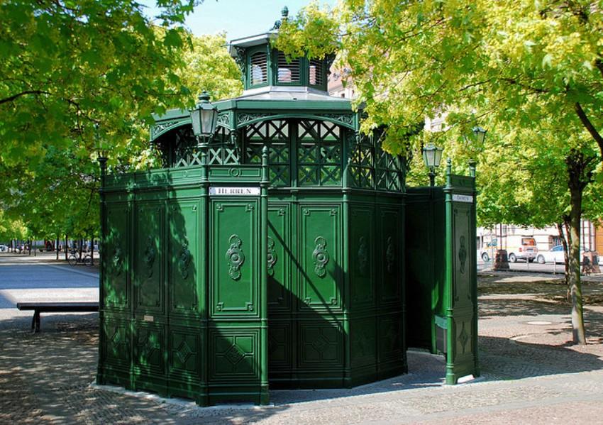 Исторический туалет Caf? Achteck