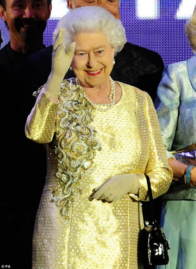 Кропотливое создание гардероба Елизаветы II