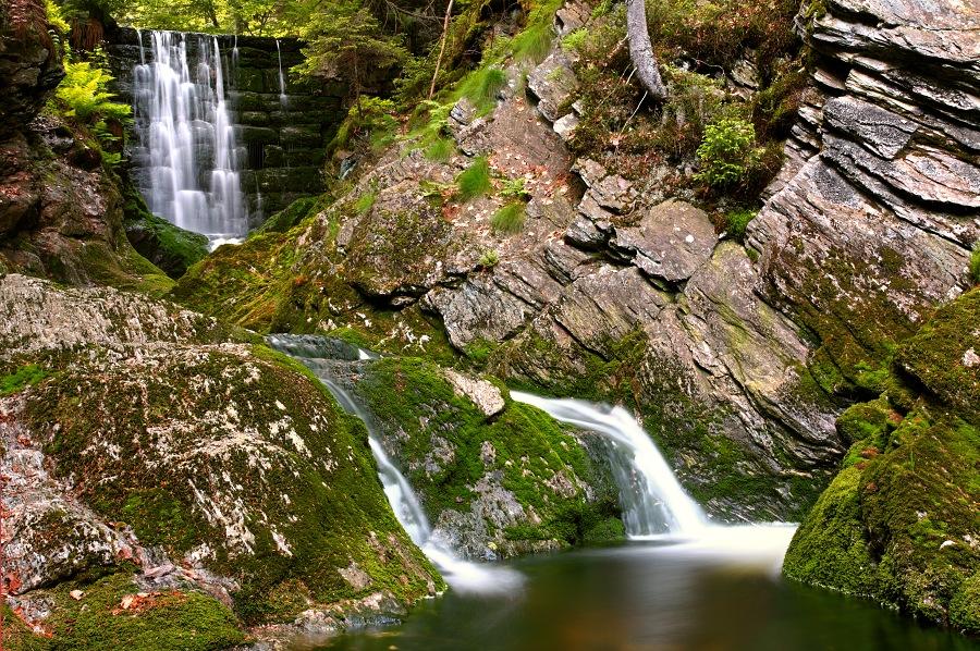 Малый Черногорский водопад в Крконошах