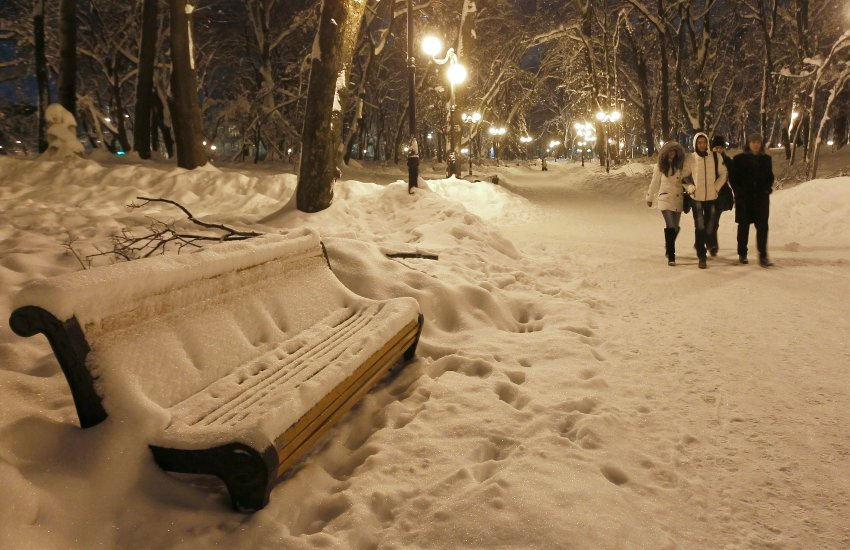 Украина завалена снегом