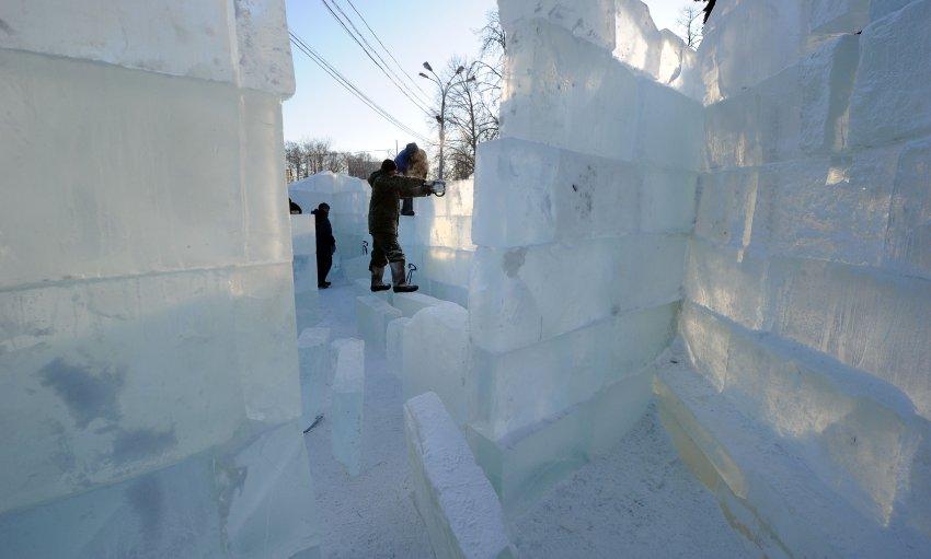 Городок изо льда в центре Москвы