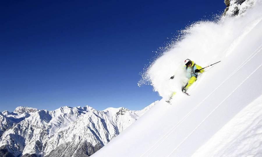 На австрийском горнолыжном курорте на горе Sonnenkopf, фото Dominic Ebenbichler / Reuters