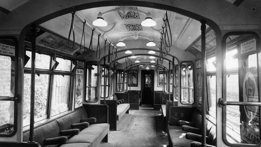 Поезд метро в 1920 году