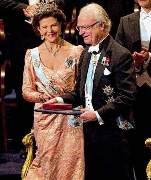 Король Густав и королева Сильвия