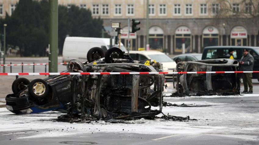 сожженных машин в центре Берлина