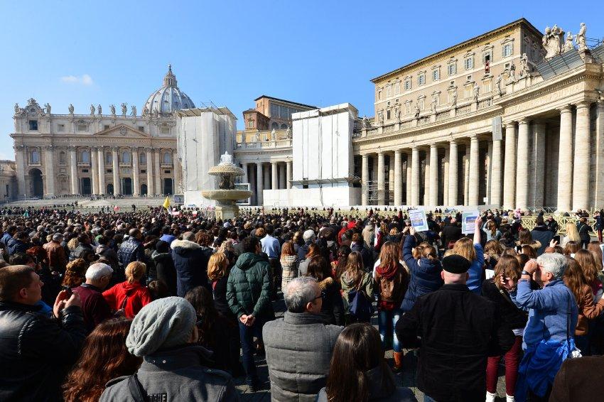 Площадь Святого Петра в воскресенье