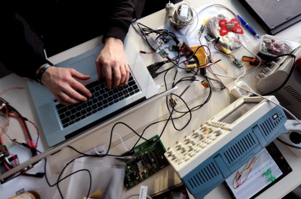 Германия будет бороться с хакерами