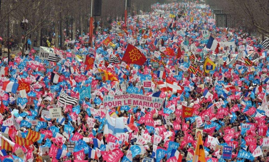 Демонстрация в Париже