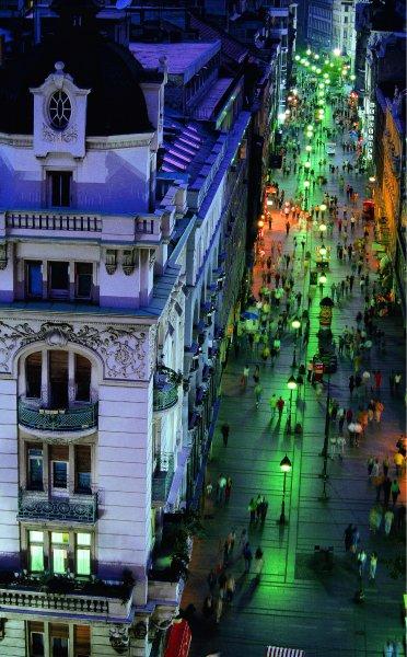 Улица Князя Михайлова особенно популярна у любителей развлечений