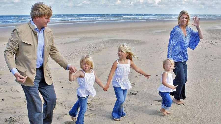 Максима и Виллем с дочерьми