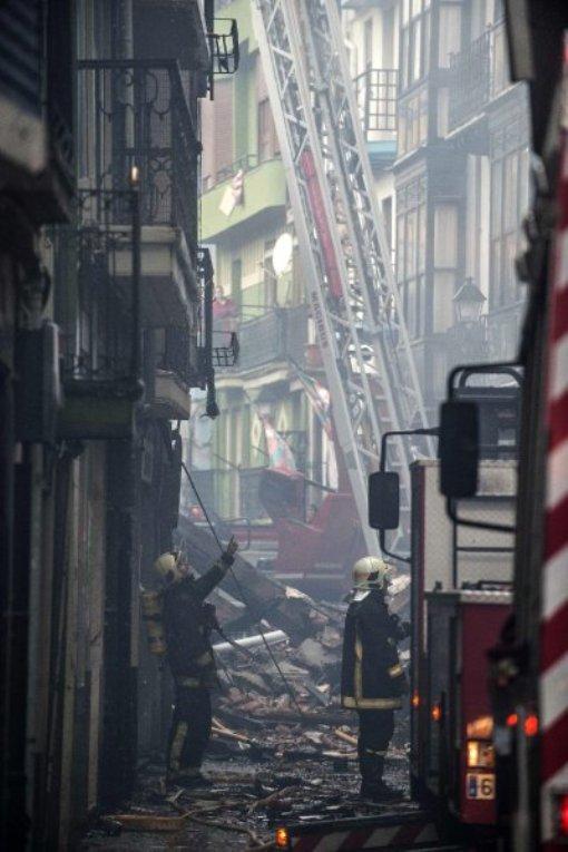 Сгорело сразу пять зданий
