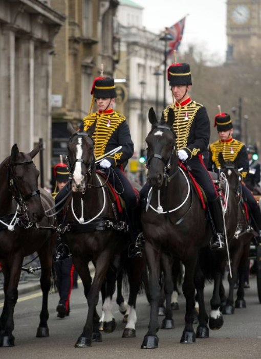 На церемонии присуствовало много военных