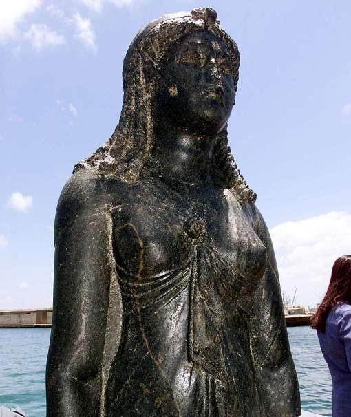 Статуи со дна моря