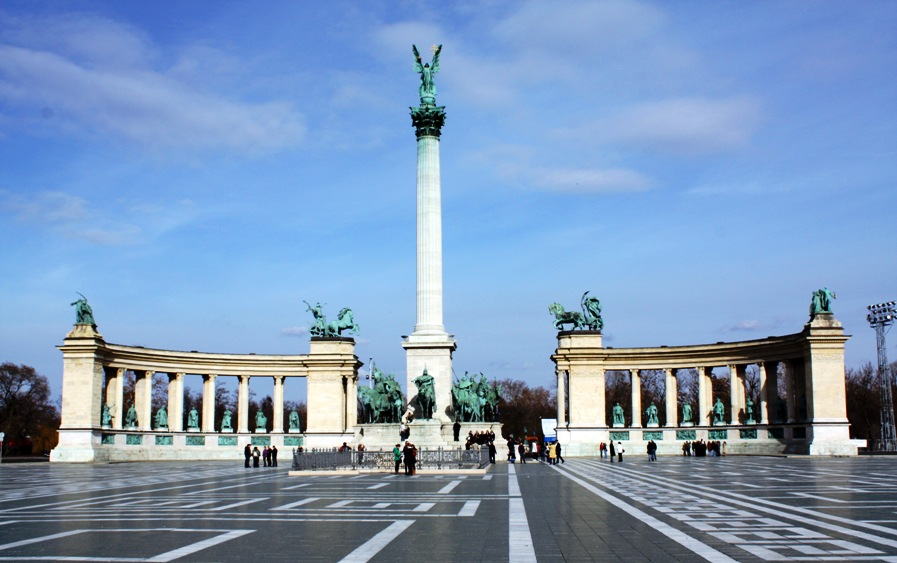 Будапешт достопримечательности: Площадь Героев