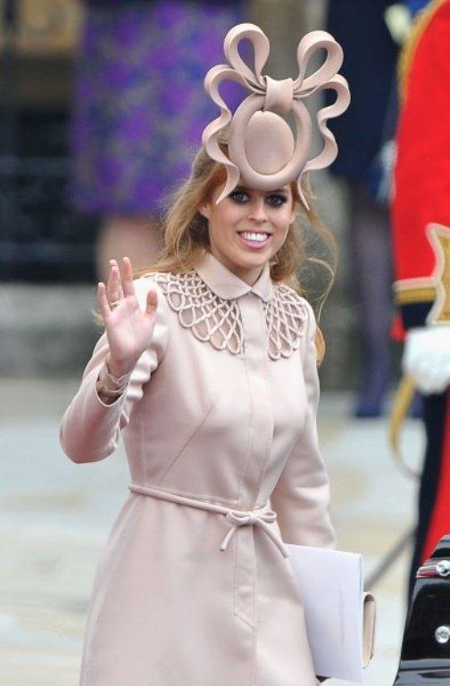 Шляпка принцессы Беатрис стала знаменитой