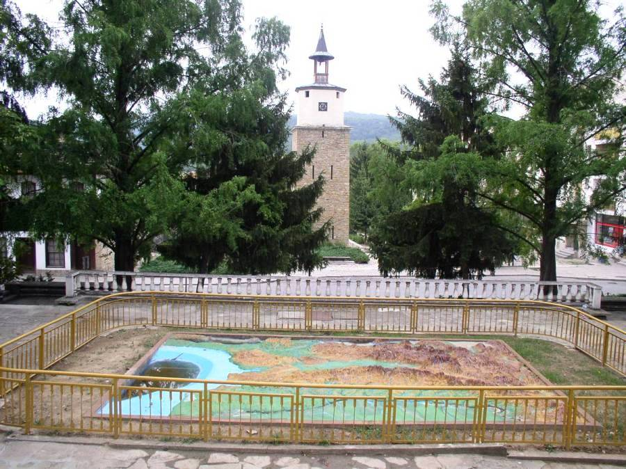 Город Габрово в Болгарии  и его окрестности