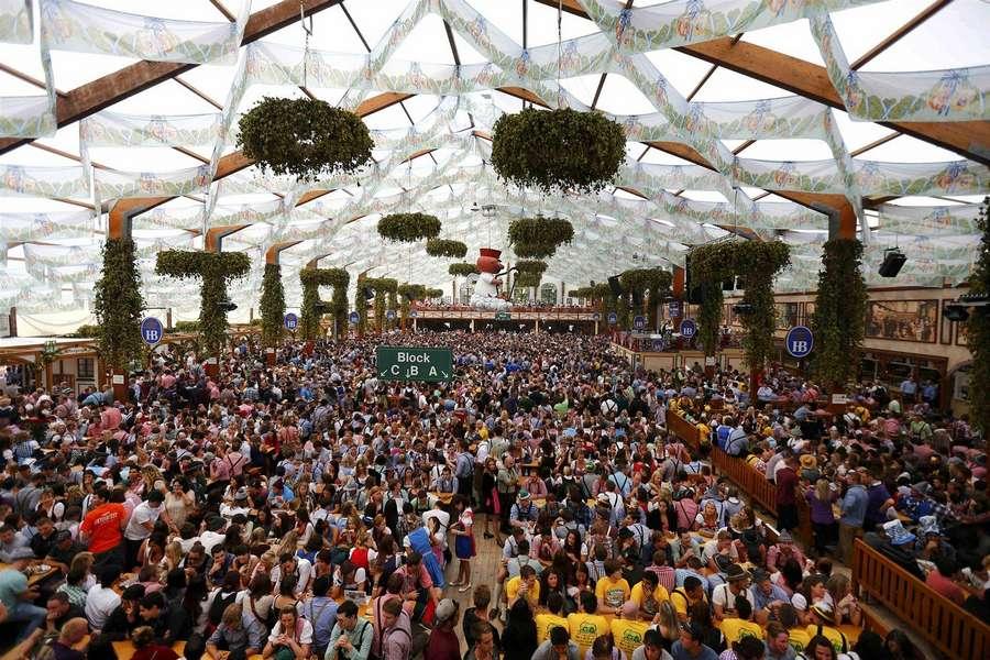 180-й фестиваль пива «Октоберфест» в Мюнхене