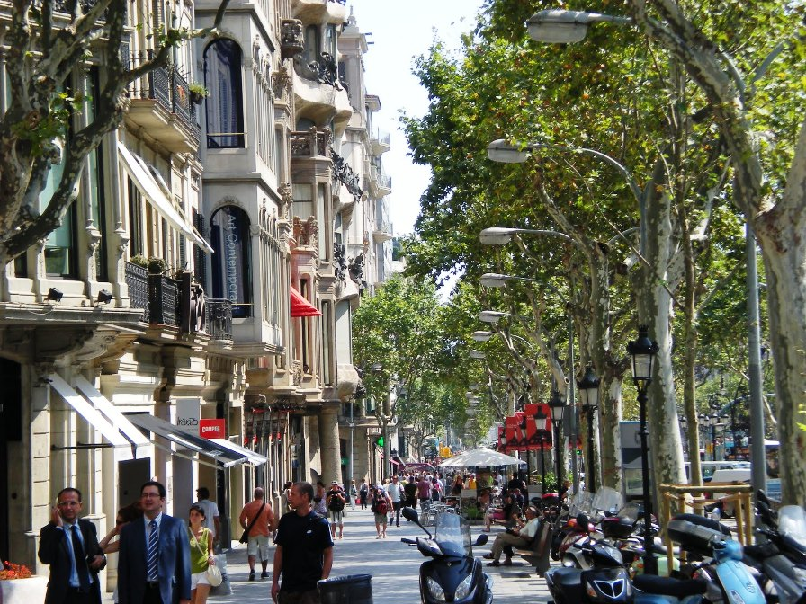 Passeig de Gracia, шоппинг в Барселоне