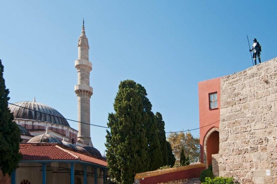На улице рыцарей старого города Родос. Родос достопримечательности
