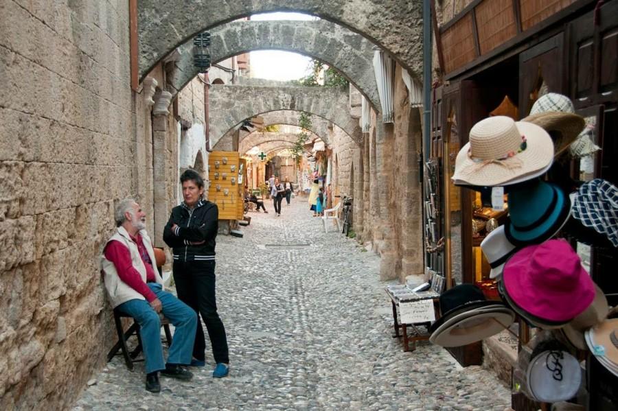 жизнь в улочках старого города Родос. Родос достопримечательности