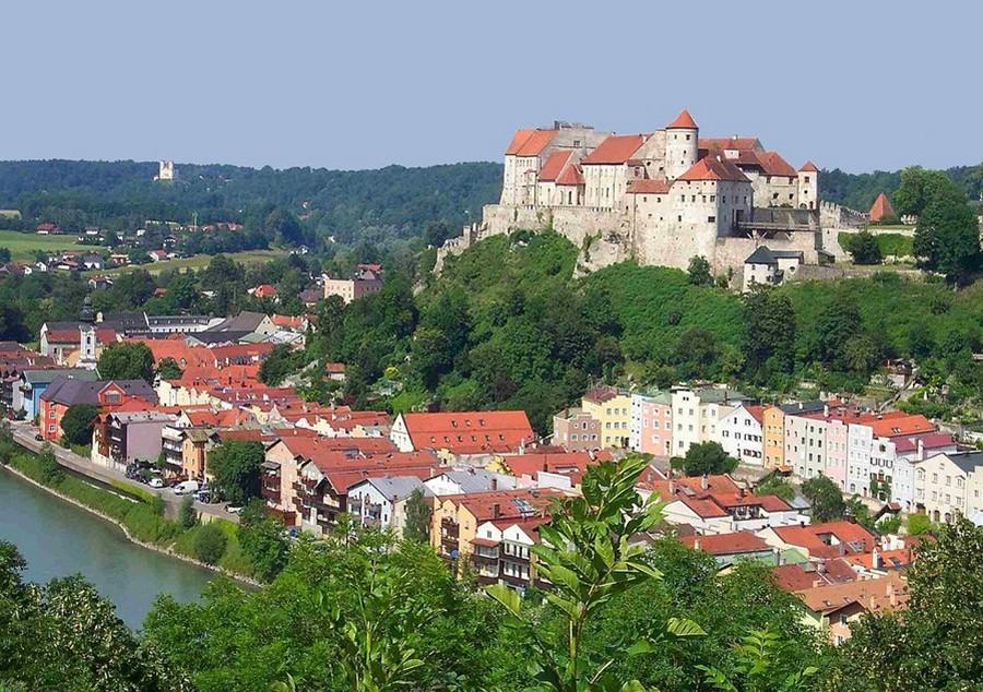Замки Германии.  Замок Бургхаузен - Burg Burghausen