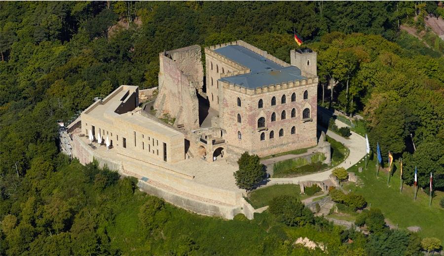 Замки Германии. Хамбахский замок - Hambacher Schloss