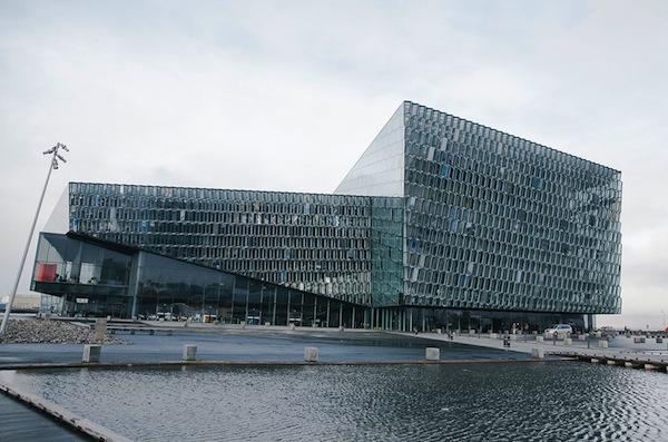 Исландия. Стеклянный концертный зал Харпа