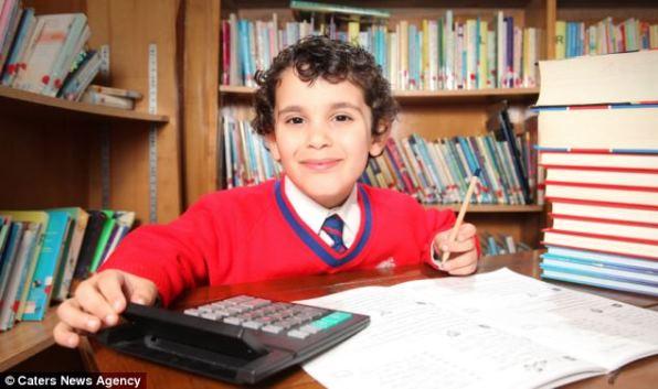 Самый умный ребенок живет в Египте и он способен умножать девятизначные числа в уме.