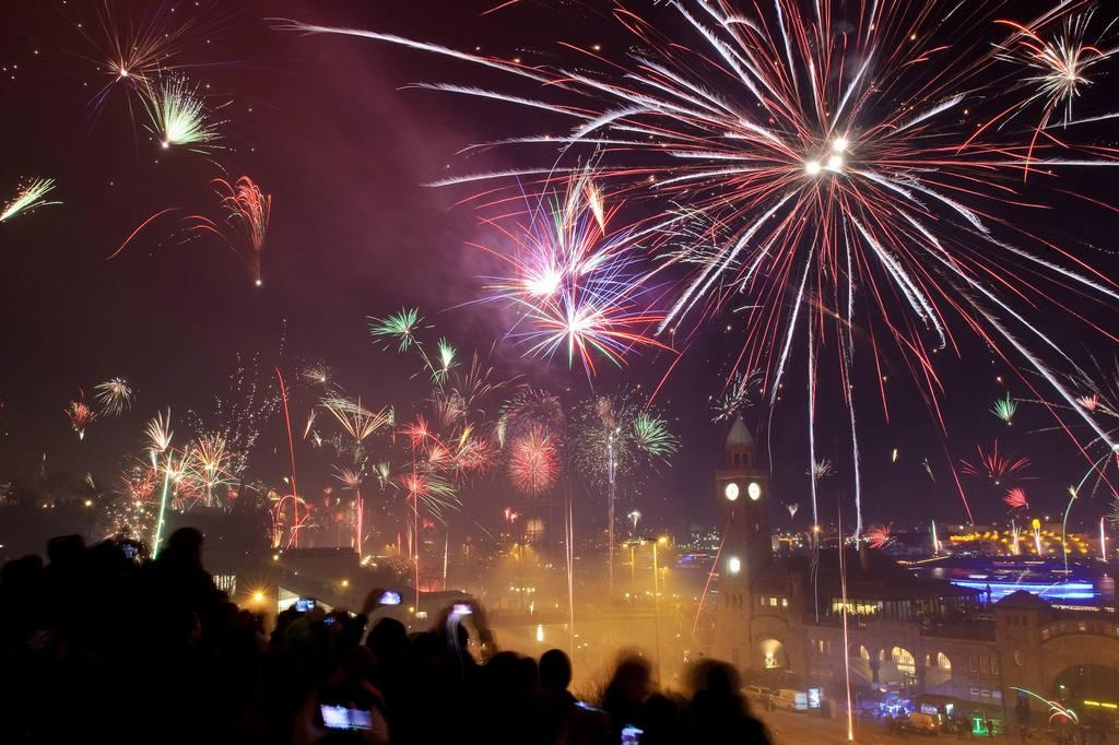 Новогодний фейерверк в Гамбурге.  Новый Год 2014