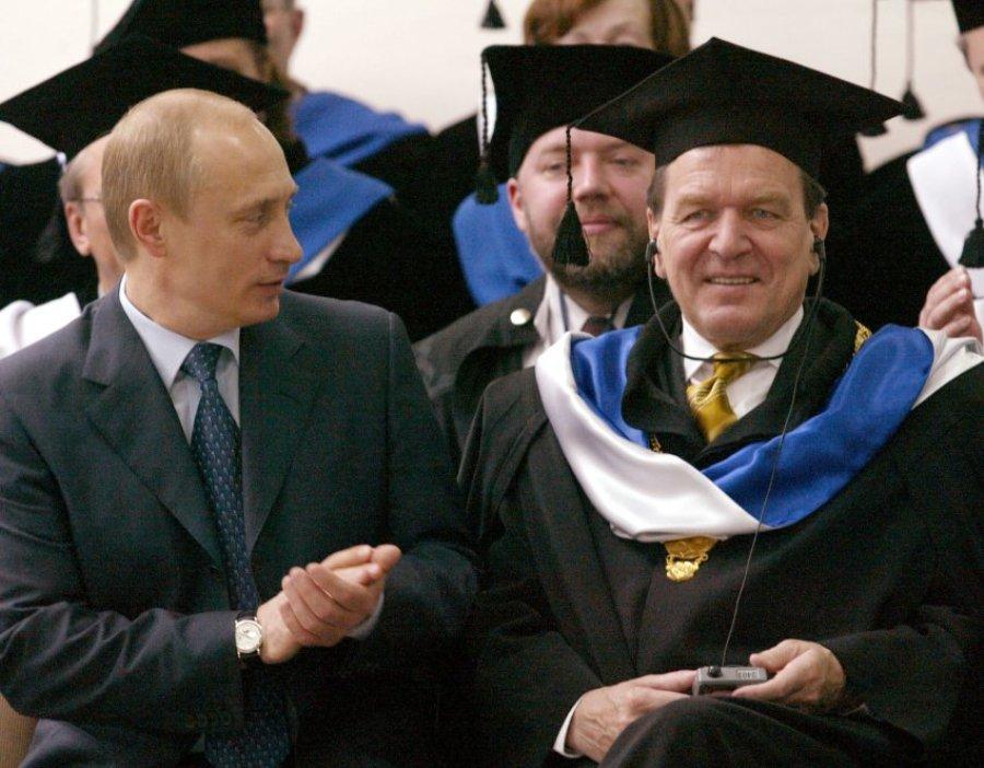 На церемонии присвоения Шредеру звания почетного доктора, Санкт-Петербург