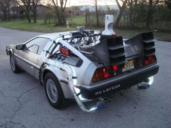 знаменитый автомобиль из знаменитого фильма