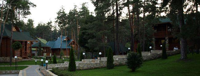 kiev-forest-houses